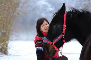 Astrid Muhs mit ihrem Pferd.